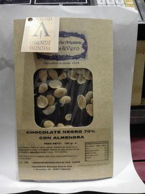 chocolate con almendras puro